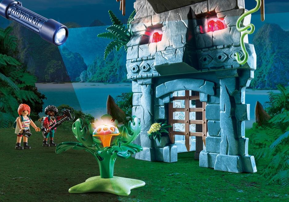Creating New Adventures on Dino Island With Playmobil
